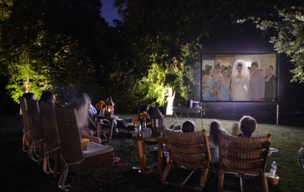 An Easy Backyard Movie Night - Sanctuary Home Decor