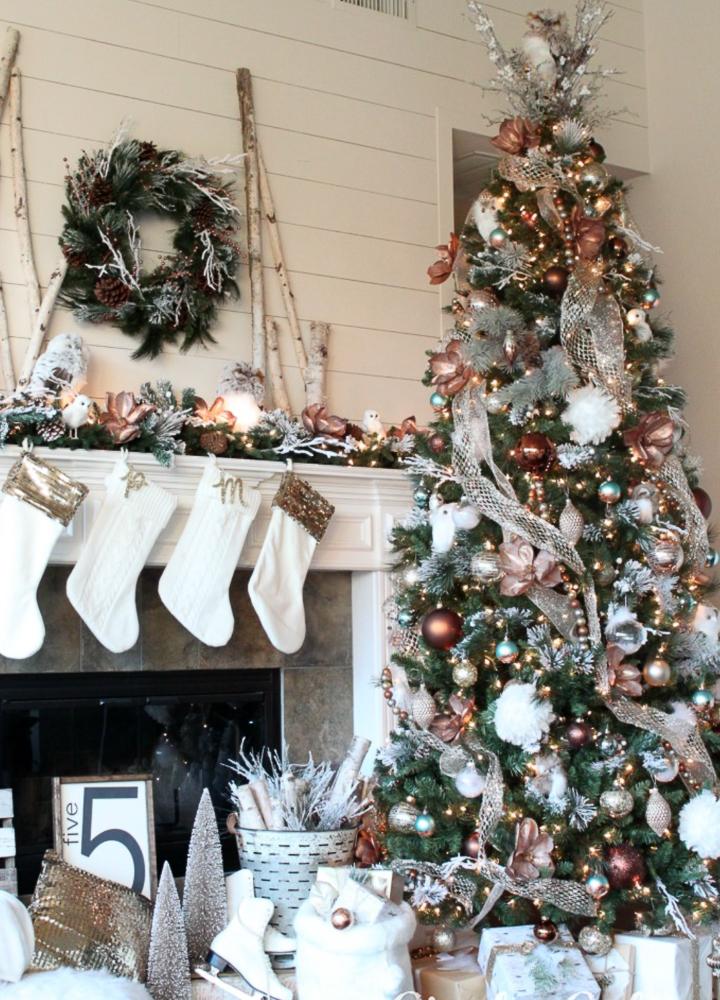 Sparse Christmas Tree Decorating.16 Inspiring Christmas Tree Decorating Ideas Sanctuary