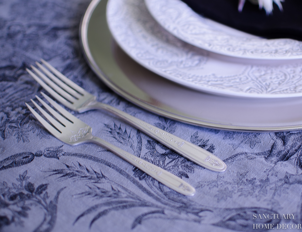 Elegant Fall Thanksgiving Table Setting