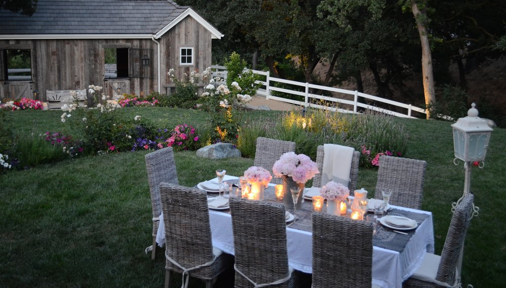 5 TIPS FOR CREATING AN EXTRAORDINARY OUTDOOR PARTY
