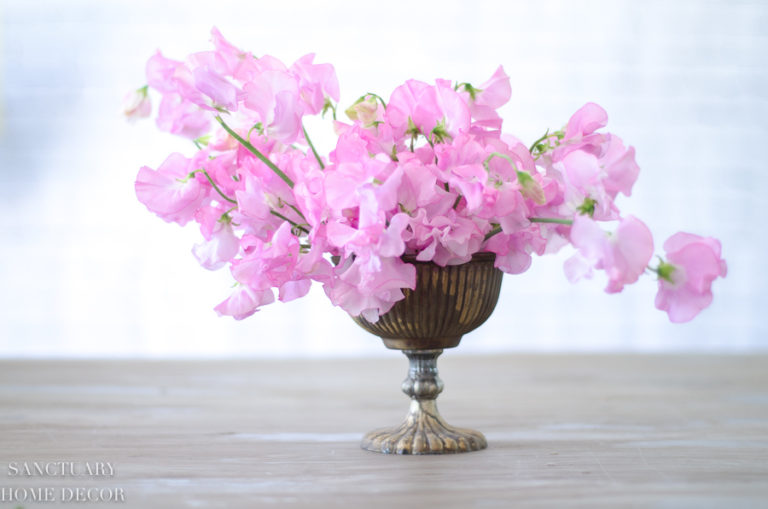 How to Make a Flower Arrangement in 5 Minutes