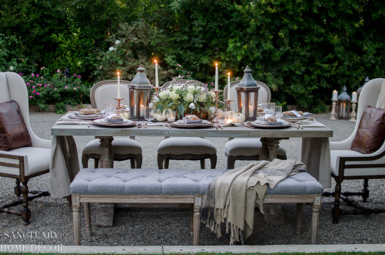 A Neutral and Rustic Thanksgiving Table Setting