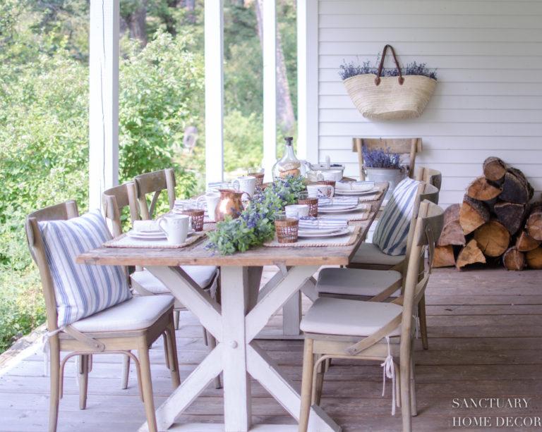 An Easy Sunday Brunch Table Setting