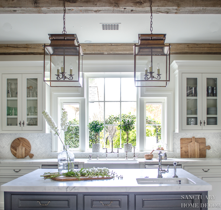 Country Kitchen Lighting: 25 Classic Farmhouse Light Fixtures