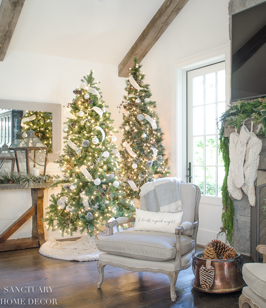 Holiday Home Design Ideas:  Design Ideas For Cozy, Neutral Christmas Decorating