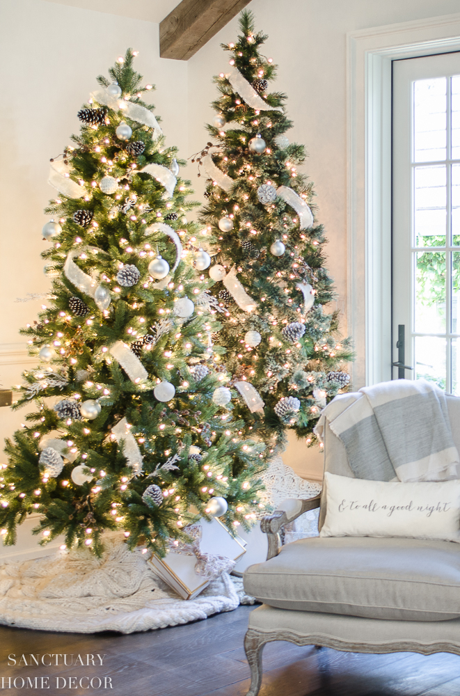 Neutral Christmas Decorating