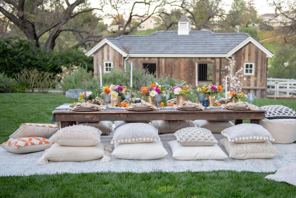 How To Plan A Bohemian Backyard Dinner Party - Sanctuary ...
