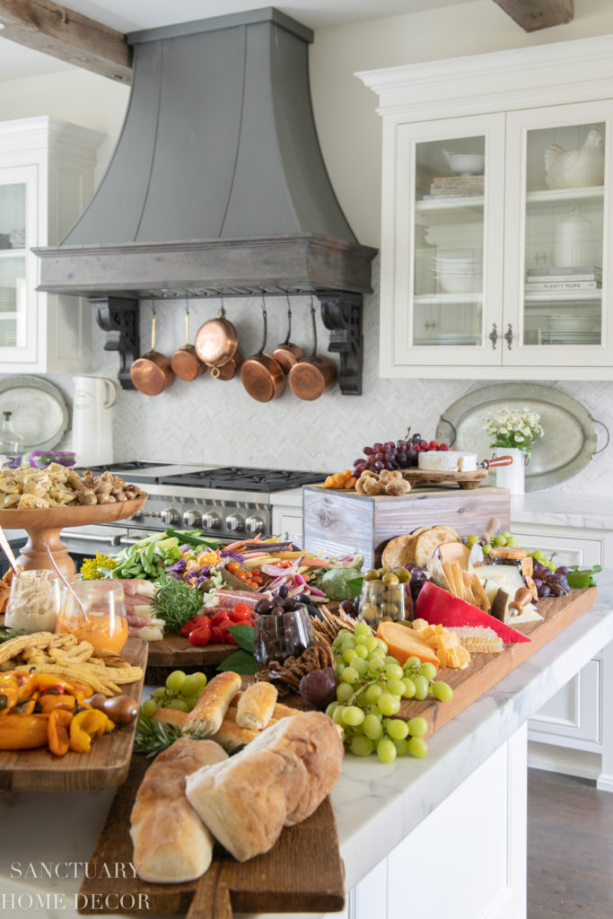 How to create the perfect grazing table using simple ingredients