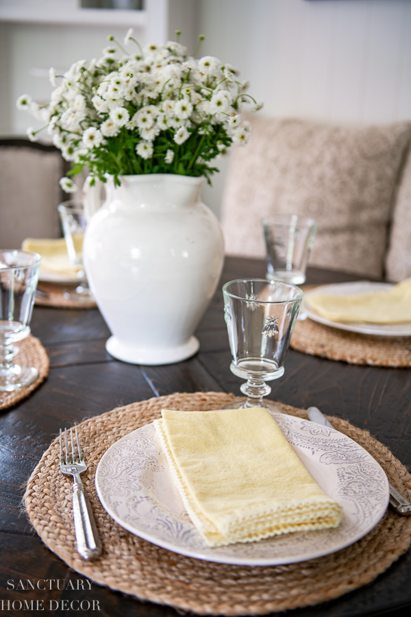 Table setting with yellow and white