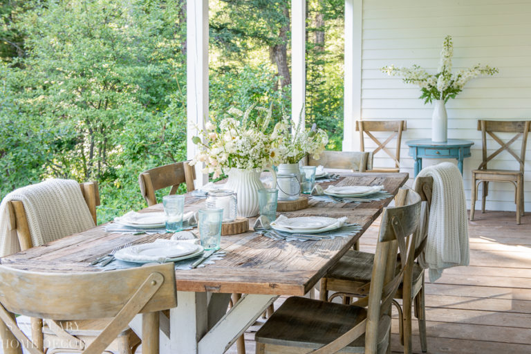 Tips For Setting A Quick, Beautiful Outdoor Table