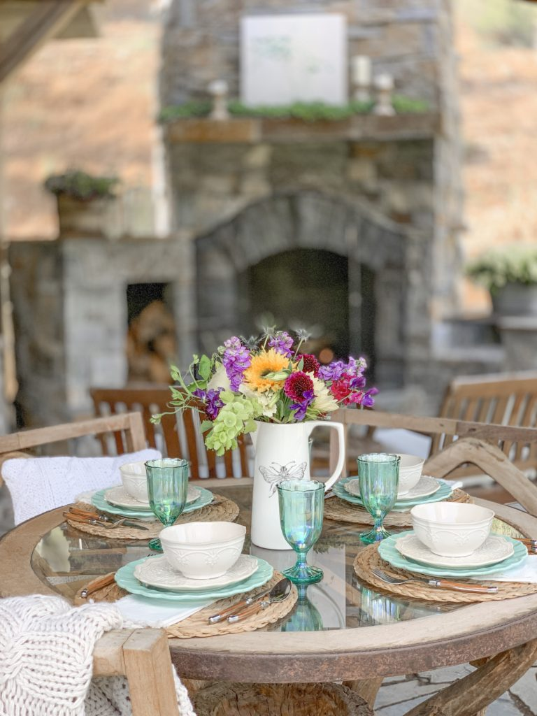 Vintage Chic Decor on Our New Outdoor Patio