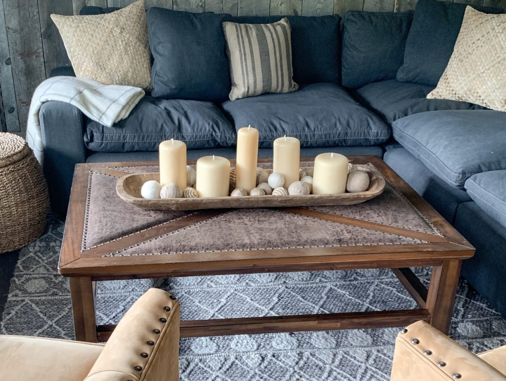 5 Minute Fall Decorating Tips-Shallow dough bowl with candles and twine balls