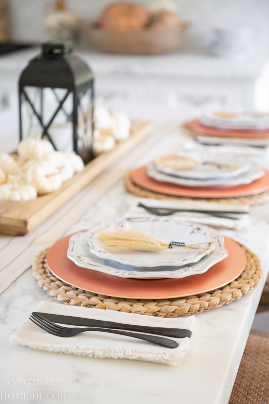 Easy and Casual Fall Harvest Table Setting