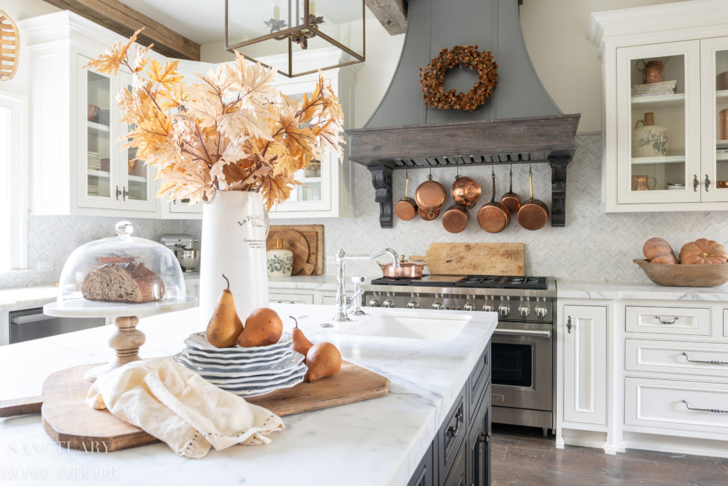warm and cozy fall home tour-Kitchen center island- pendant lighting above center island-fall decor