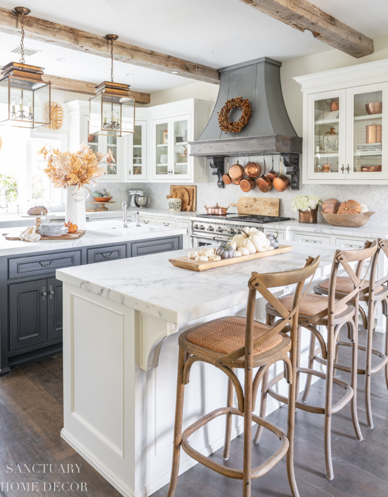 Farmhouse Kitchen Fall Decorating Ideas - Sanctuary Home Decor