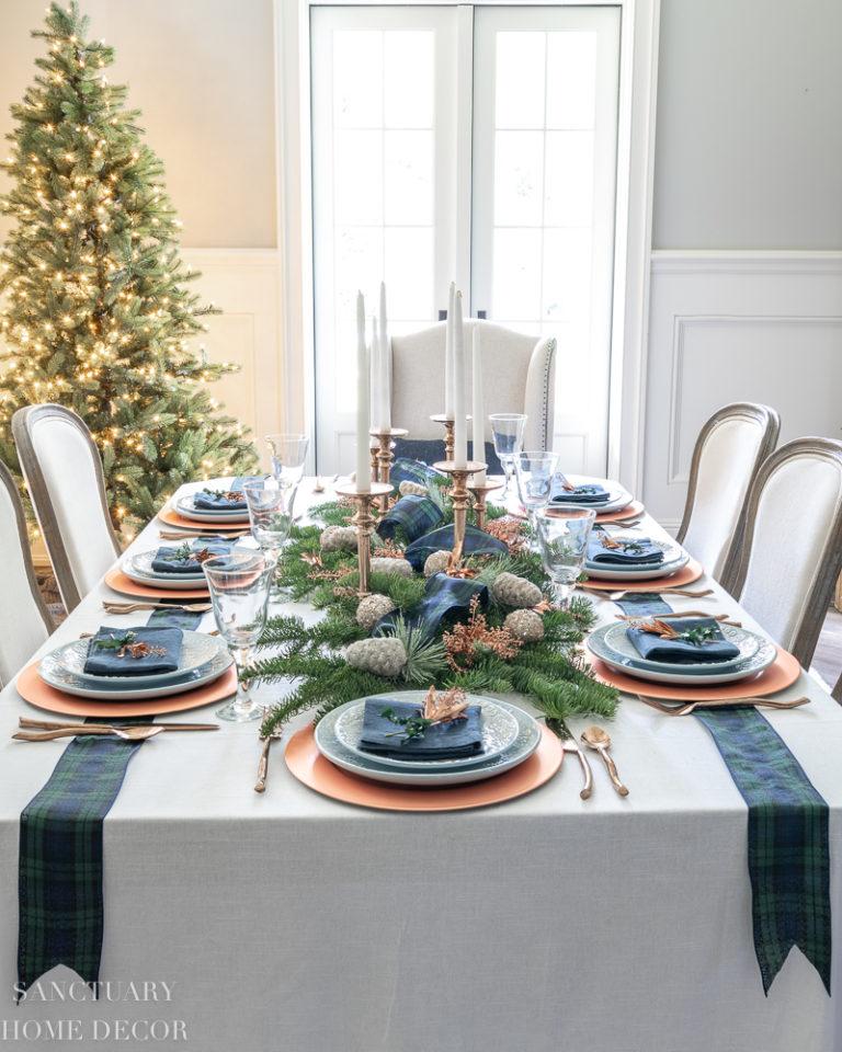 An Easy Christmas Centerpiece for a Long Table
