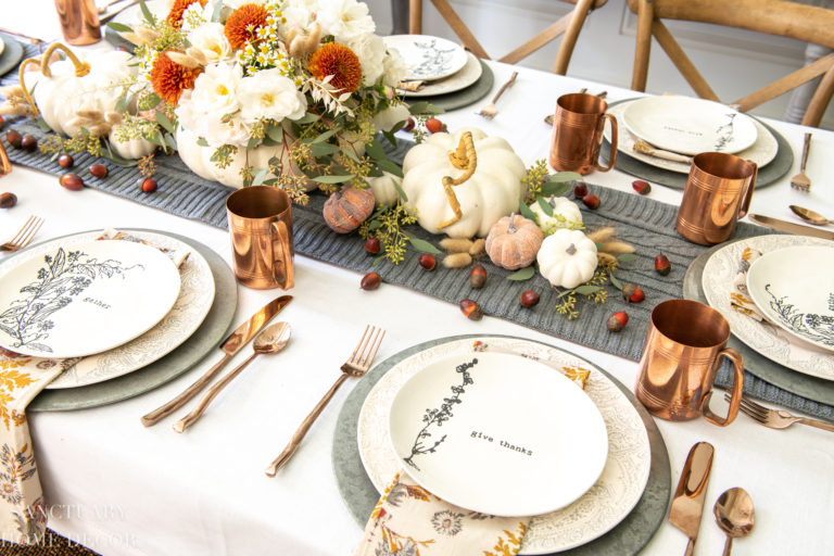 Thanksgiving Table in Warm Fall Colors