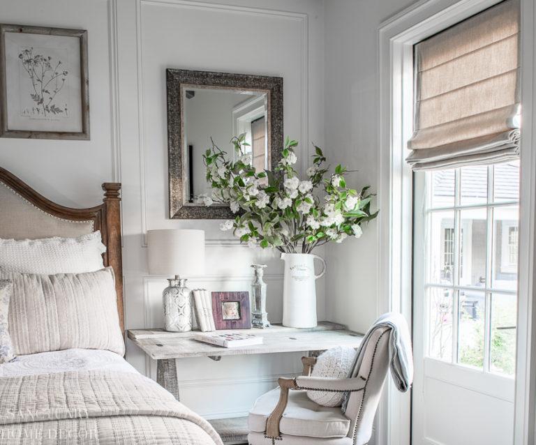 Simple Spring Bedroom Decor