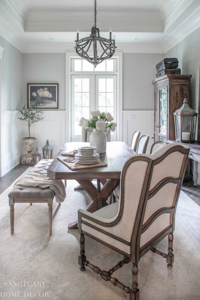 Dining room with neutral tones
