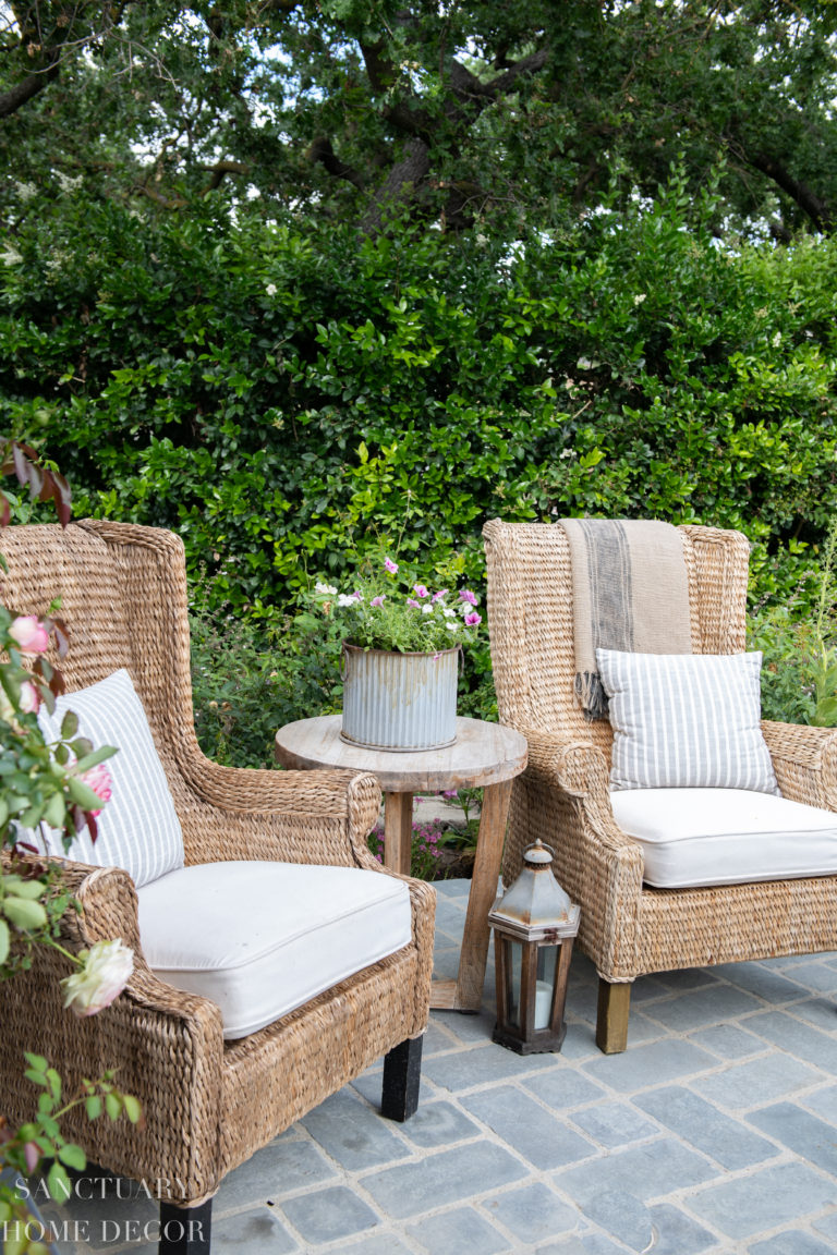 Outdoor Decorating with Potted Plants