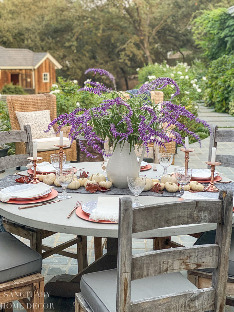 5 Steps to Set an Outdoor Thanksgiving Table