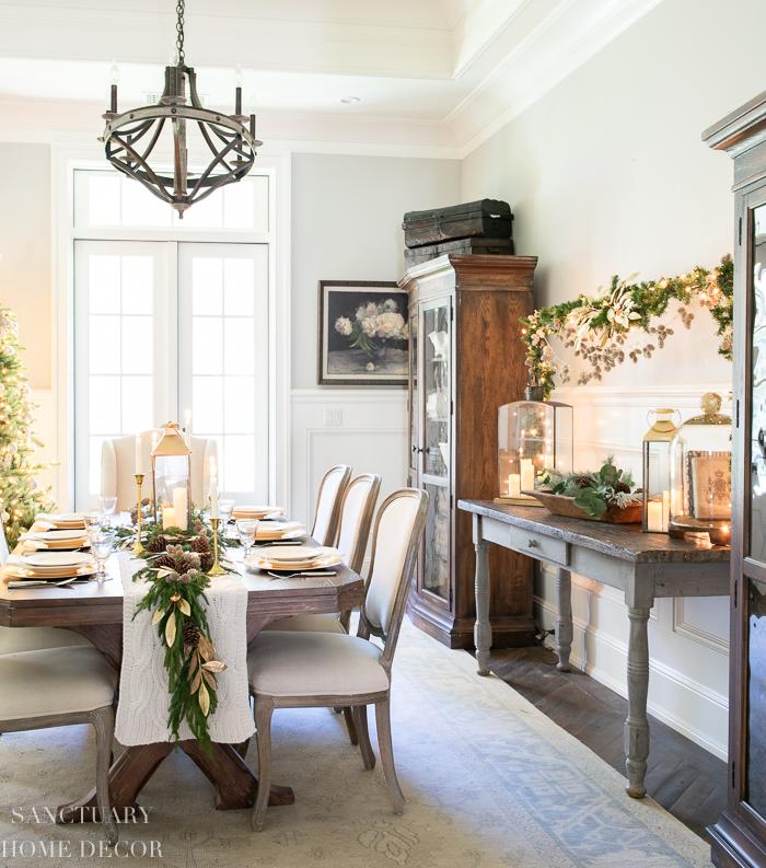 Cozy Christmas Dining Room Decorating Ideas