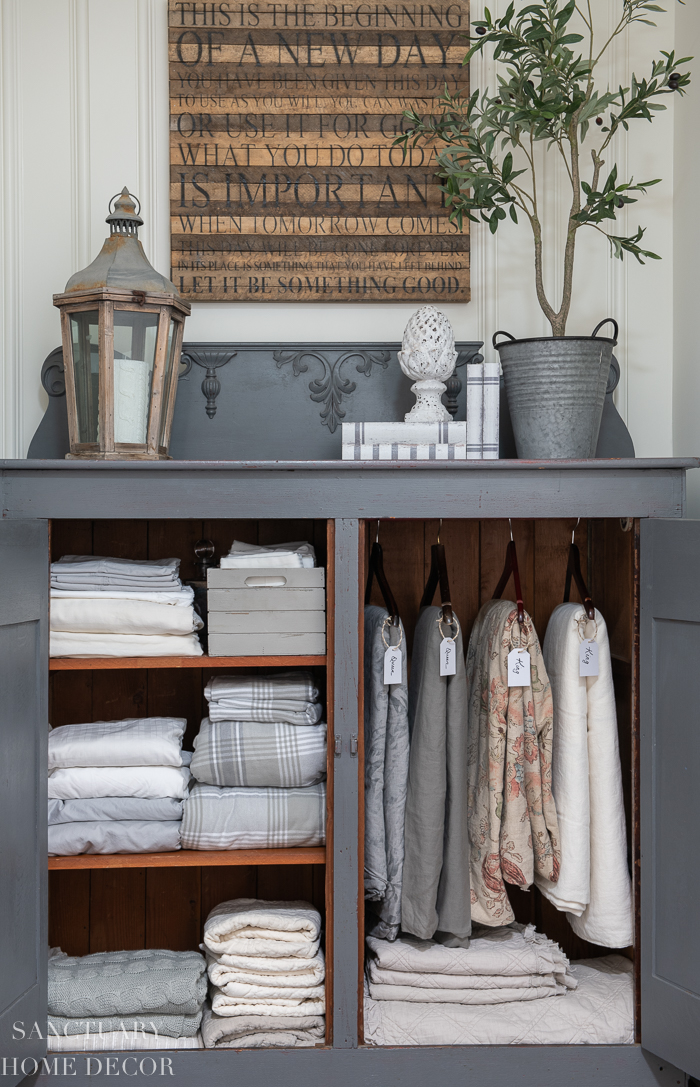 How to Easily Organize a Linen Cabinet